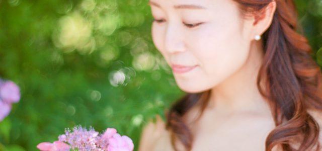 紫陽花の季節しか撮れないウェディングフォトも素敵です。